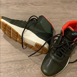 Nike RARE Forrest Green Ball Shoes